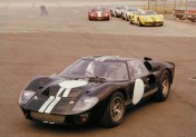 La Ford GT40 COPYRIGHT ARCHIVES AGRIPPA MEDIA /// FORD